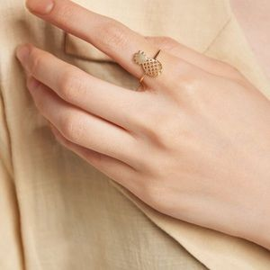 Jewelry - Gold pineapple ring